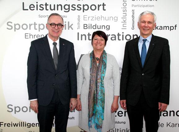 Baden-Württembergisches Spitzentreffen in Stuttgart - Kirche und Sport gemeinsam für das Bildungszeitgesetz