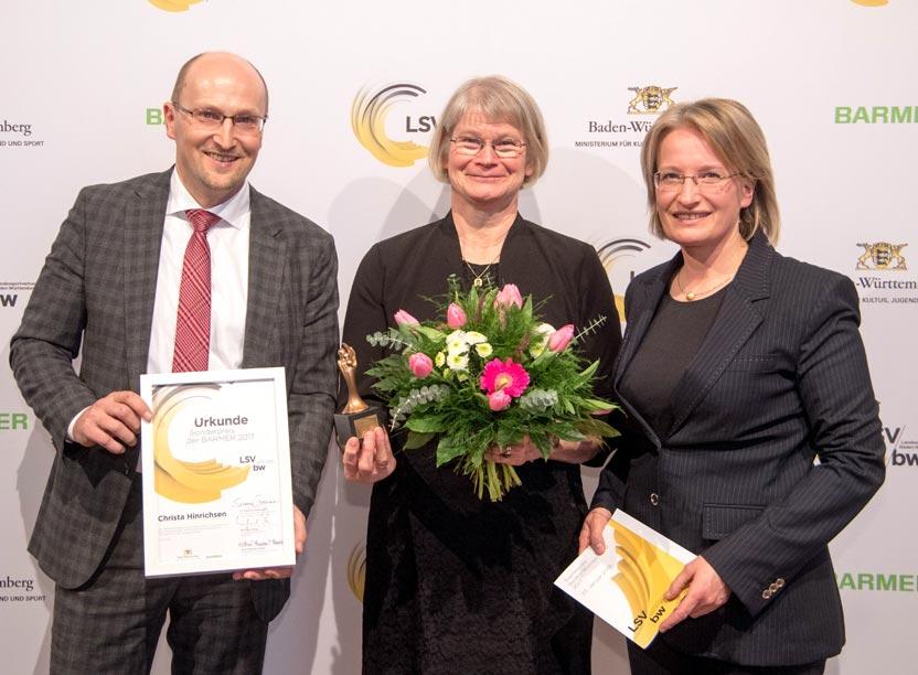 Trainerin des Jahres Christa Hinrichsen mit Winfrid Plötze und Astrid van Velsen-Zerweck