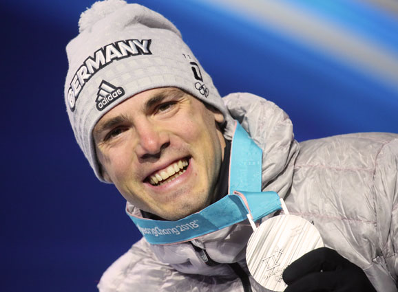 Simon Schempp gewinnt die Silbermedaille bei den Olympischen Spielen in Pyeongchang